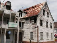 Paramaribo 24 - the rot does not stop at official buildings