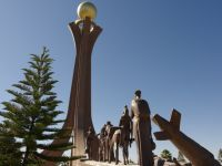 Mekele 04 - Tigrayan Martyrs Monument with statuary