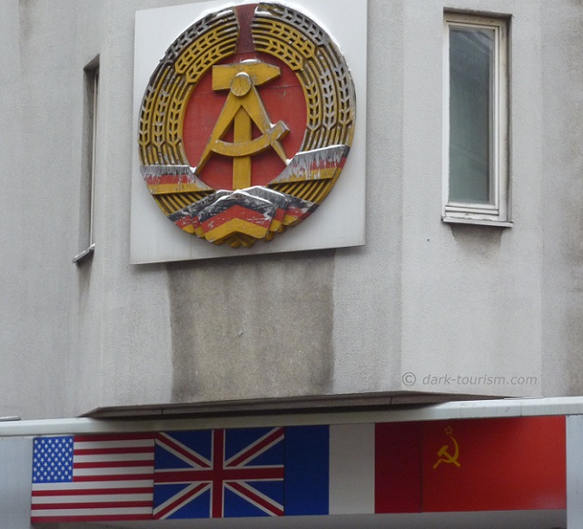 07 10 2015   Tag der Republik   GDR relic, Checkpoint Charlie, Berlin