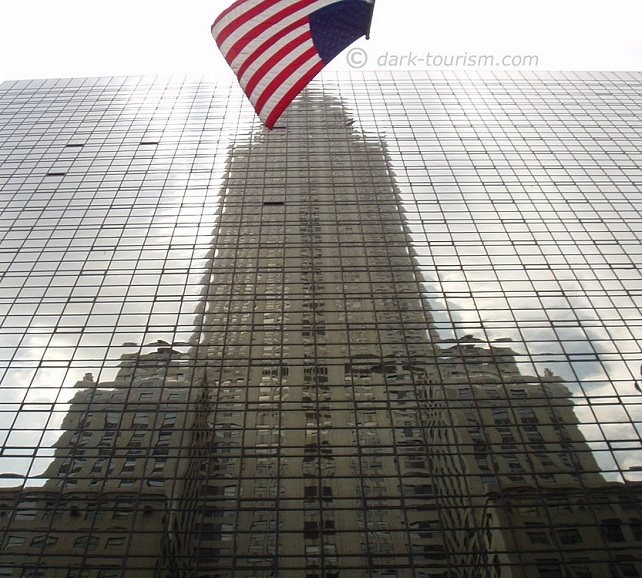 26 07 15   reflection of Chrysler building with flag, Manhattan, NY