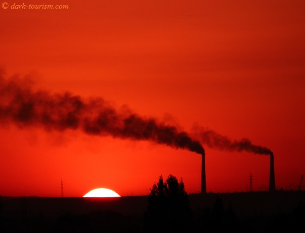 29 05 2015   infernal sunset with pollution, Almaty