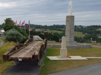 D-Day Tour 37 - monuments at Arromanches