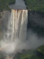 Guyana 03 - flying over Kaieteur Falls