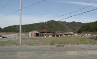 Okawa school 01 - seen from the main road
