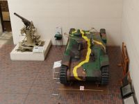 Yushukan 12 - tank and gun