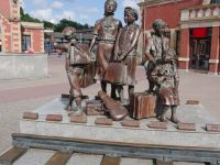 Gdansk 04 - Kindertransporte monument by the station