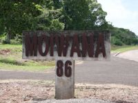 Moiwana 1 - sign by the road