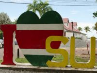 Suriname 01 - statement of love