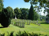 Ypres 6 - small war cemetery by the ramparts