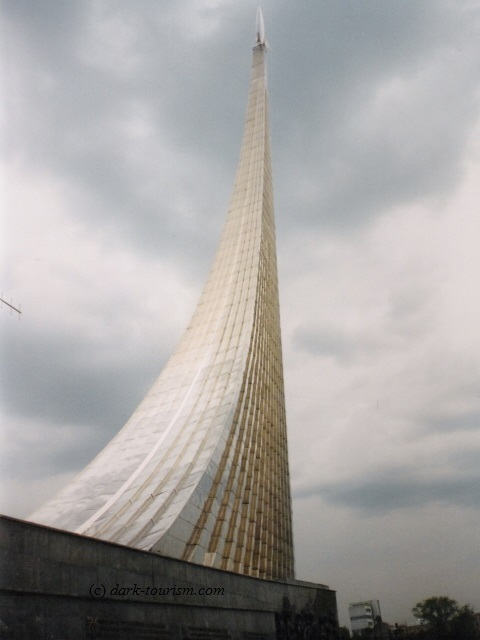 03 08 17   off to Russia   space exploration monument in Moscow