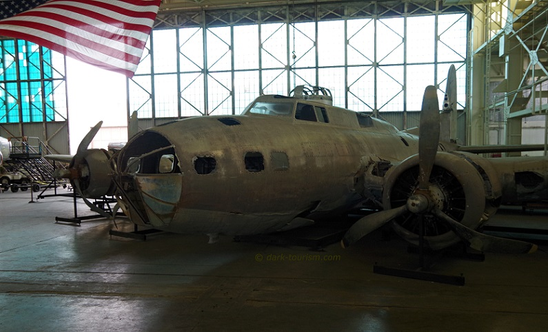 09 05 17   B 17 wreck salvaged from Papua New Guinea, on display at the Pacivic Aviation Museum, Pearl Harbor