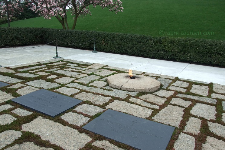 14 03 17   JFK's and Jackie's graves