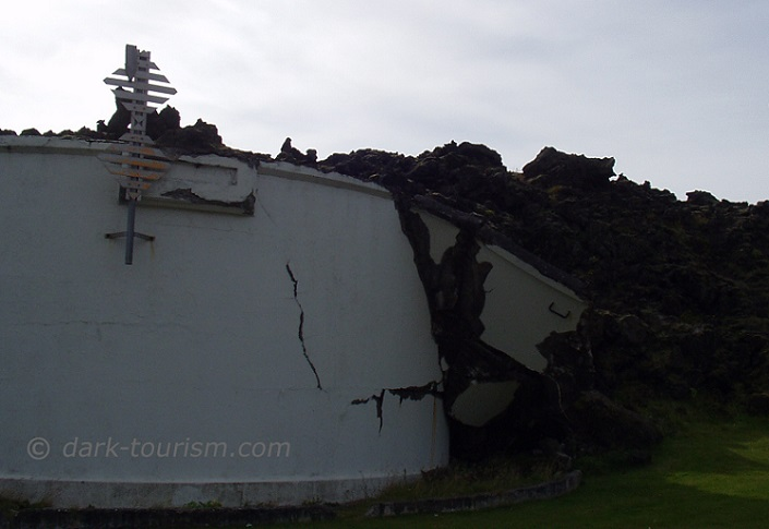 17 02 17   harbour wall destroyed by lava flow, Heimaey, Iceland