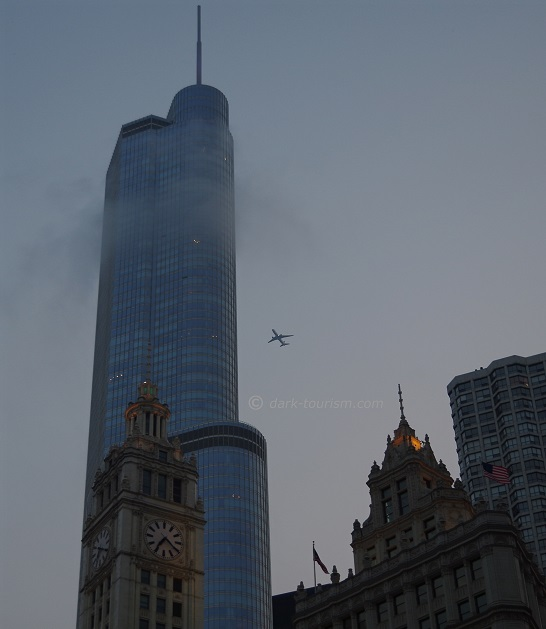 26 01 17   plane aiming at the Trump Tower ... better aim at Trump himself